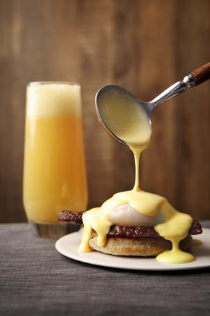 Eggs Benedict is undoubtedly the ultimate brunch recipe!