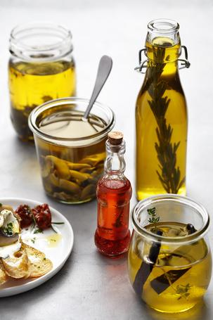 4  Infused oil recipes you need to try this December.